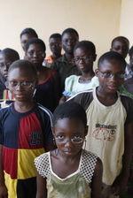 Des lunettes pour des écoliers togolais
